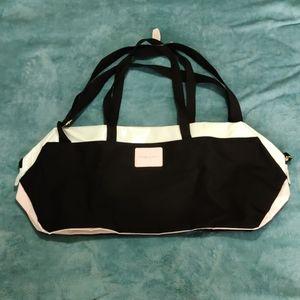 *Victoria Secret*  NWT gym bag